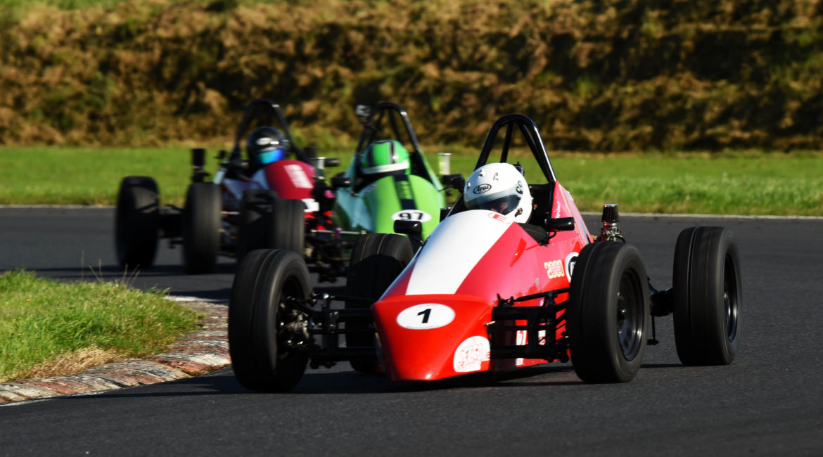 28-September 2019; Anthony Cross, Sheane, leads Philip Sheane, Sheane, and Dan Polley, Sheane, on his way to winning Formula Vee race one. 500 Motor Racing Club of Ireland car races, Kirkistown. Co. Down. Photo: Barry Cregg